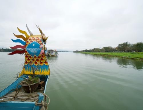 Båttur på Parfymeelven i Hue, Vietnam