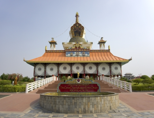 Så mange utrolige fine templer i Lumbini, Nepal